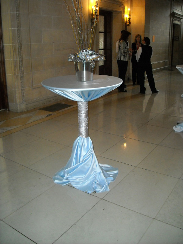 Places To Rent Tables In Chicago Il Chicago Party Rental